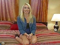Hot blondi saa hänen pillua täytetyt