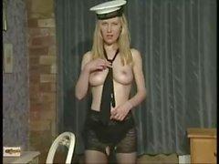 Louise Hobby som Odette i Fiona Cooper video