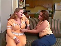 Mollige lesbiennes pussy eten