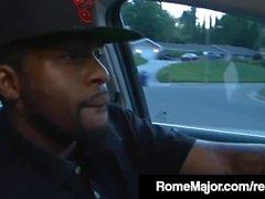 Rome Major & Friend Donnez à Yasmine De Leon 2 Big Black Cocks!