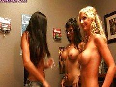 Janessa du Brésil une 3 some lesbien Destinée de Dixon