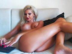 Sensuous Tinker blonde toying herself to an cumming