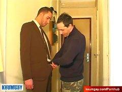 Viaton myyjältä kaverin palveluilla hänen iso kukko kaveri huolimatta häntä!