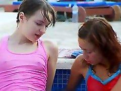 Selbstbefriedigung im schwimmbad