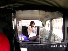 British amateur gets facial in cab