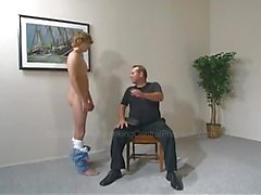 Diz üstünde Spencer spanking