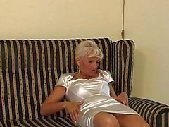 Piss: granny in satin - piss and fuck