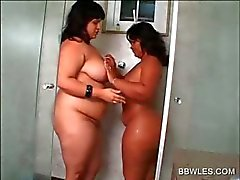 Lesbian BBW babes fucking cunt with large dildo