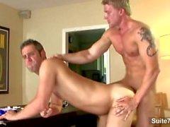 Sexy Homosexuell bekommt Arsch leckte und humped