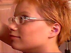 Korthåriga Rött hår tonåring Babysitter Emily Knullad