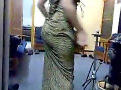 Арабская девушка S1EP1.she шевелит большая задница в восточной музыкой