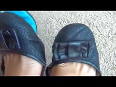Wear On Shoes And Deep Toe Wiggling