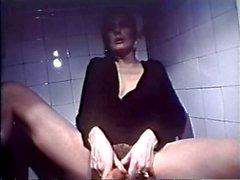 Bayan boğulma Snake On Tuvalet
