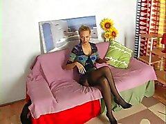 Selbstgemacht Pornovideo bei geilsten blonde Babe in der Strümpfe.
