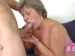 Hot amateur deepthroat cumshot