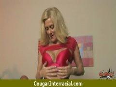 Cougar hottie aletin 2 bir kara bir canavar sürmek