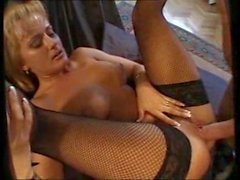 Hot MILF Takes It Deep In Her Ass
