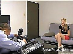 Boylu Sarı Sucking Off FakeProducer And Yutma Cum