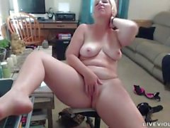 Möts Michigan böjd blonde MILF Pandoras