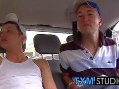 Kristian e Callum compartilha um pau grande sem cortes de Scouser Danny