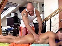 Linha reta parafuso prisioneiro massageado