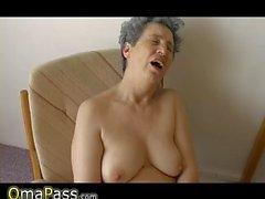 OmaPass Очень старая Полные Chubby эрекция Гранмы занимается сексом с househ
