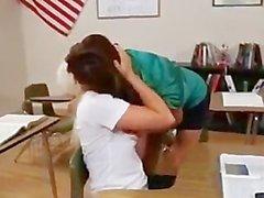 Francesca Le teaches Sienna Splash some monners