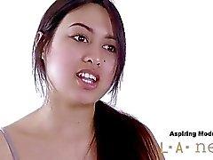 Modelo del asiático follada en el culo en el fundición sesión de fotos de
