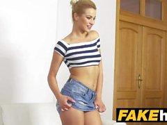 Agente falso alto modello Skinny Glamour in sudato Casting Couch cazzo