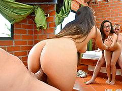 Süße Dilettante Latin Chick aus Kolumbien abgeschleppt und im Hotel gefickt fearsome-threatening PornDoe