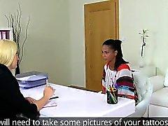 agente de elenco lésbicas a lamber de fora bichano de ébano