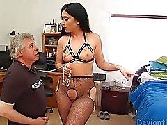 Brunette Получает жопа Владычица облизываемая