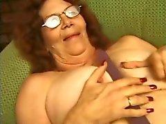 Gözlük Şeritler ve Plays Granny