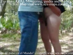 Prostitute gets fingered outdoor