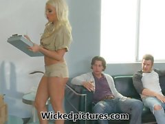Delivery babe Britney Amber pleases two pricks