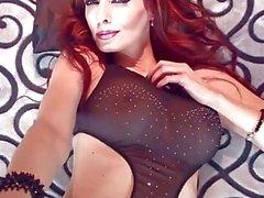 Canadense Kinky Milf Shanda Fay quer sexo e cum em seu bichano!