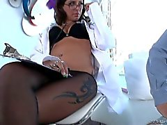 Hot nurse Jynx Maze loves facesitting