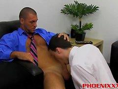 Damien e Parker tem uma ruptura anal cheia de vapor no escritório