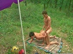 Horny mature slut enjoys outdoor sex