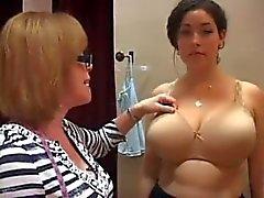 """""""Bra Lady"""" famlar big tits"""