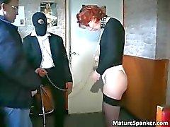 Elaka Kinky redheaden MILF slampa