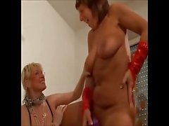 4 Geile Hausfrauen
