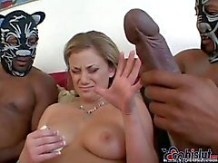 Zwarte Kerels met extra Monster Cocks Fucking Blonde
