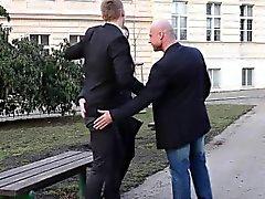 Bisexual hunk reprend de chef