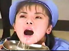Amateur novia asiática golpeada y corrida facial