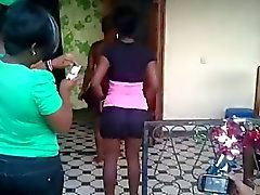 Candid african shake ass