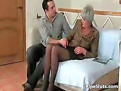 Mature slut sucks on hard cock and gets part5
