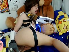 Overwatch Tracer Cosplay Girl Masturbating