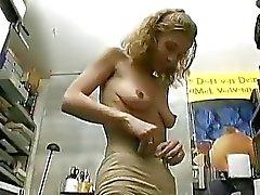 Donna amatoriale german pagati per farlo a scena pornografica di Sascha di produzione