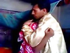 Indian newly married guy trying zabardasti to wife very shy